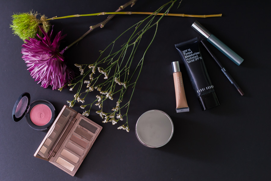 makeup, mom routine, mom style, makeup, product photography, flowers, beauty, beauty blogger, bobbi brown, naked eye palette, clinique